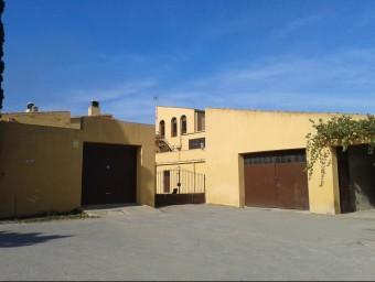 El mas on van entrar els lladres està situat entre el nucli de Fontclara i Fontanilles G. P