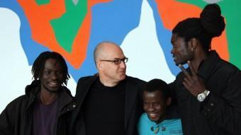 Àlex Rigola, amb tres dels intèrprets de 'Migranland' ACN