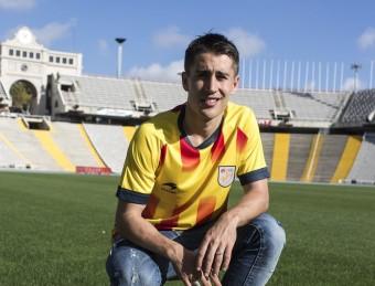 Bojan posa a l'Estadi Olímpic Lluís Companys FCF