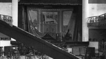 El Casino de Valls, on hi van morir 12 persones, després del bombardeig que desencadenà els fets. ARXIU MUNICIPAL VALLS