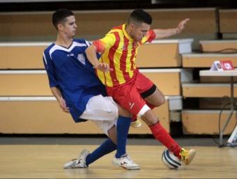 Alexis Postiga lluita una pilota en el segon partit dels catalans contra Bèlgica JOAN SABATER