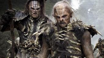 Bilbo i els nans s'enfronten als malvats orcs WARNER