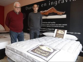 Josep Maria Solé i Xavier Solé a la botiga de la família de Sant Fost de Campsentelles  QUIM PUIG