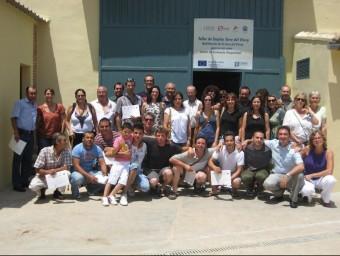 Taller d'Ocupació desenvolupat a l'Eliana l'estiu passat per a majors de 25 anys. EL PUNT AVUI