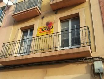 La seu de la CUP a Lleida ha aparegut tacada de pintura aquest dimarts al matí ACN