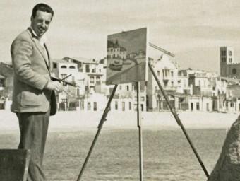 L'artista Rafael Bataller, pintant a la platja de la seva Blanes natal. ARXIU MUNICIPAL DE BLANES