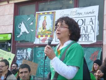 Manifestació dels mestres balears al davant de la Conselleria d'Educació, ahir a Palma, que va aplegar prop d'un miler de persones STEI