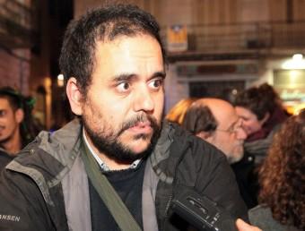 Víctor Cánovas durant la concentració d'ahir.  JOAN SABATER