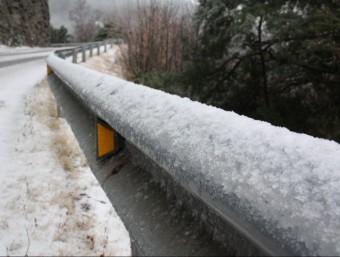 La neu ha enfarinat el paisatge a les zones muntanyoses de les comarques gironines ACN