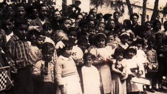Nens madrilenys acollits a Torredembarra COL. PARTICULAR D'A.R. CRESPO