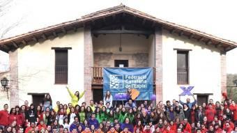 300 monitors de la Federació Catalana de l'Esplai es van trobar ahir per compartir experiències a la casa de colònies de Vilanova de Sau, a l'Osona F.CATALANA DE L'ESPLAI