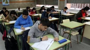 Alumnes d'ESO de l'institut Barcelona -Congrés, en la darrera prova d'avaluació de competències JUANMA RAMOS