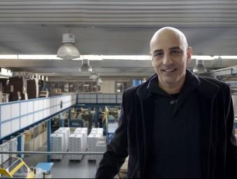 El gerent de l'empresa, Pepe Quer, a la planta de producció que Industrias Botella té al polígon Sud de Badalona.  JUDIT TORRES