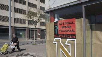 Un local comercial que es lloga a Girona, en una imatge d'ahir. LLUÍS SERRAT