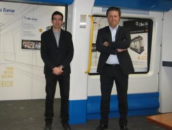 Sebastià Catllà i Ramon Mandaña en un prototip de metro per a Copenhaguen.  ANNA AGUILAR