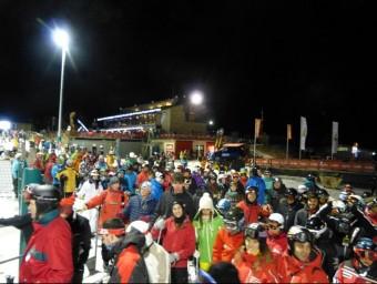 Un detall d'una de les nits d'esquí a l'estació hivernal ceretana de Masella. EL PUNT AVUI