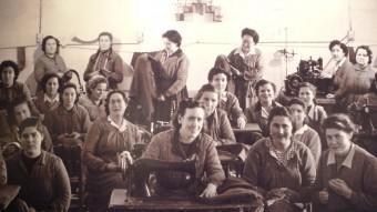 Dones reresaliades treballant