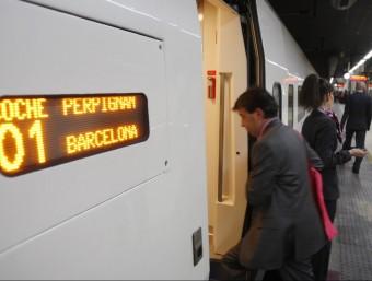 Tren d'alta velocitat de Barcelona en destí a Perpinyà. ORIOL DURAN