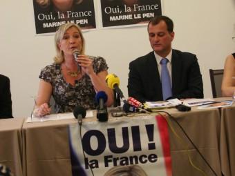 La parella Le Pen-Aliot durant un acte a Perpinyà. A.R.
