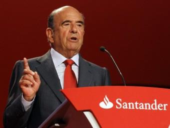 El president del Santander, Emilio Botín, en l'última junta d'accionistes.  EFES