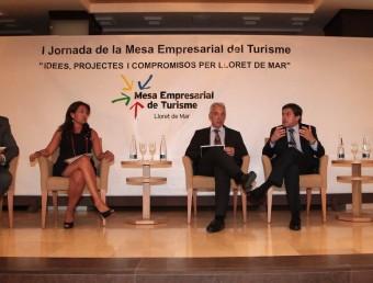 Marian Muro, a l'esquerra, el juliol passat en les jornades de la Mesa Empresarial del Turisme. JOAN SABATER
