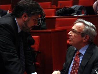 Els diputats Albert Batet (CiU) i Xavier Sabaté (PSC), aquest dimecres a la Comissió d'Economia del Parlament ACN