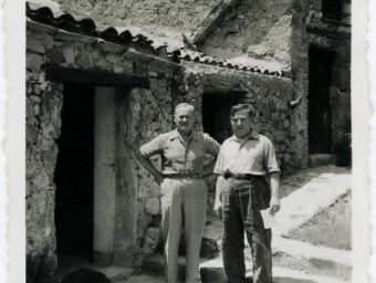 Miró mb Josep Llorens Artigas, a Gallifa, el 1955 ARXIU SUCCESSIÓ MIRÓ