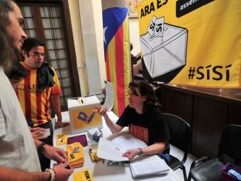 """Campanya """"signa un vot per la independència"""".  ARXIU"""