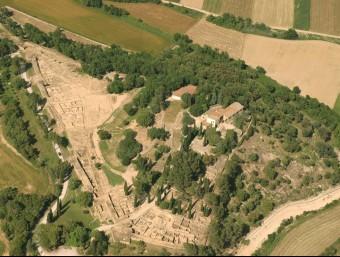 Una imatge aèria d'arxiu del conjunt ibèric d'Ullastret MAC-ULLASTRET