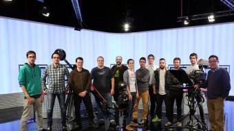 Foto de família de l'equip tècnic de la cadena El Punt Avui Televisió QUIM PUIG