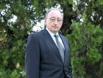 Jesús Loma-Ossorio relleva Joan Pedrerol en la presidència de l'Aeqt.  JUDIT FERNANDEZ