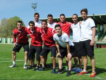 Els nou jugadors que no havien competit abans amb la selecció amateur, ahir a l'Albuera ÁLVARO MONTOLIU / FCF