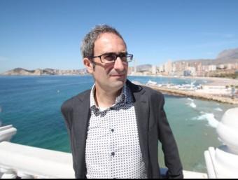 Jordi Sebastià en la balconada del passeig. B. VIDAL