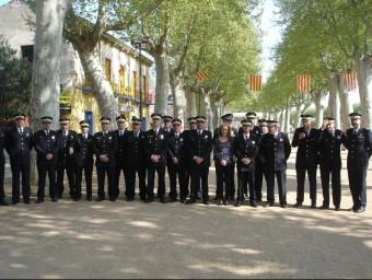 La majoria dels caps de les policies locals de les comarques gironines reunits en la seva trobada anual, a la Bisbal d'Empordà. TURA SOLER