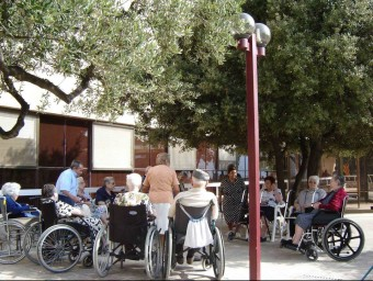 L'atenció a la gent gran representa uns 30.000 llocs de treball a Catalunya.  ARXIU