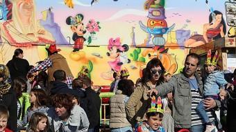 La fira d'atraccions de Figueres es va obrir ahir amb una tarifa única: tot a 1 euro MANEL LLADÓ