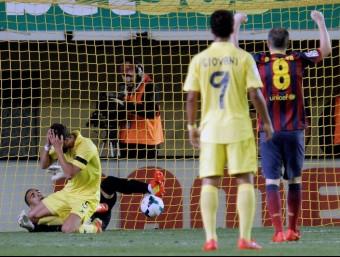 El defensa del Vila-real Musacchio es lamenta després de marcar un gol en pròpia porta, aquest diumenge al Madrigal EFE
