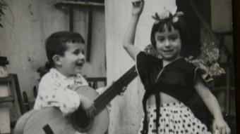 Jordi Sargatal amb la guitara flamenca quan tenia cinc anys El PUNT AVUI