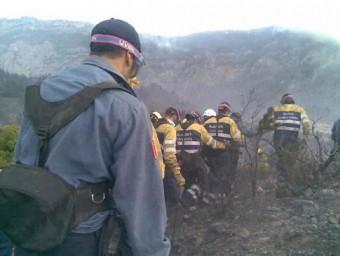 Bombers de la Generalitat durant l'incendi d'Horta de Sant Joan BOMBERS DELA GENERALITAT