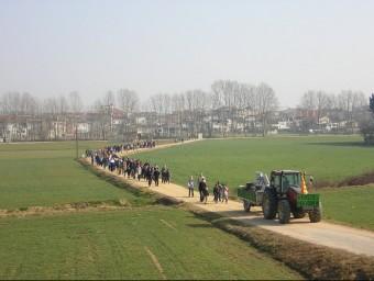 Caminada reivindicativa contra el parc d'activitats que es volia construir al Pla de Vidreres. La protesta és del 2005 EL PUNT AVUI