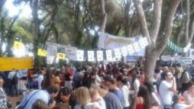 Trobada d'escoles en valencià del Baix Segura de l'any passat a Guardamar. EL PUNT AVUI