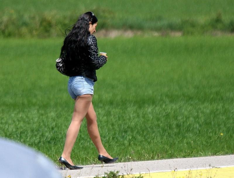 La prostitució a les carreteres de l'Alt Empordà es podria incrementar degut a la nova llei aprovada a l'estat francès que penalitza els clients de la prostitució MANEL LLADÓ