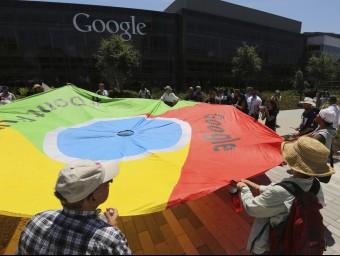 Les protestes són freqüents davant la seu de Google a Califòrnia.  REUTERS