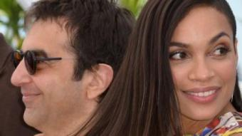 Atom Egoyan i Rosario Dawson, director i protagonista de 'Captives', ahir al Festival de Canes ALBERTO PIZZOLI / AFP