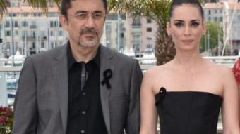 Nuri Bilge Ceylan (esquerra) amb els actors de 'Winter sleep', ahir a Canes B. LANGLOIS / AFP