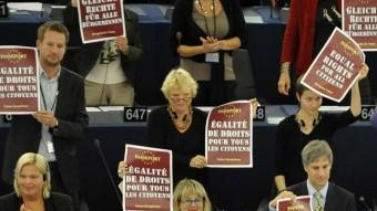 Eurodiputats, reclamant igualtat de drets per a tots els ciutadans de la Unió Europea, en una votació a Estrasburg el 2010 sobre la situació dels gitanos a Europa JOHANNA LEGUERRE / AFP