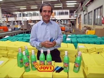 El conseller delegat de Jovi, Alejandro Tejedo, a la fàbrica de l'empresa a Rubí.  JUANMA RAMOS