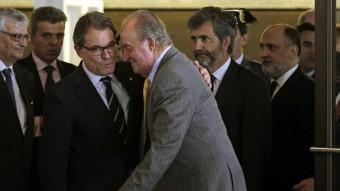 El president Mas acomiada el Rei després de l'acte judicial a Barcelona ACN