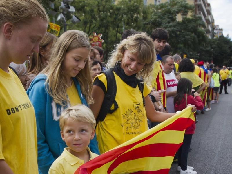 Participants en la Via Catalana el 2013 a Barcelona.  ARXIU/ ALBERT SALAMÉ