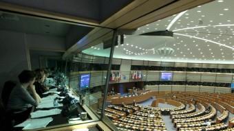 Ela traductors de la seu del Parlament europeu de Brussel·les durant una compareixença EFE